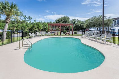 Pool | Microtel Inn & Suites by Wyndham Gulf Shores