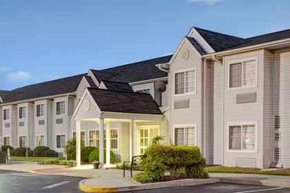 Welcome to Microtel Inn and Suites by Wyndham Burlington | Microtel Inn & Suites by Wyndham Burlington