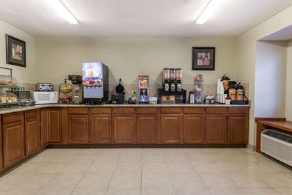 Breakfast Area | Microtel Inn & Suites by Wyndham Tallahassee