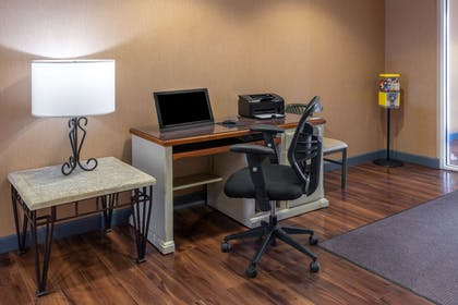 Business Center | Microtel Inn & Suites by Wyndham Raton