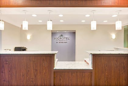 Front Desk | Microtel Inn & Suites by Wyndham Urbandale/Des Moines