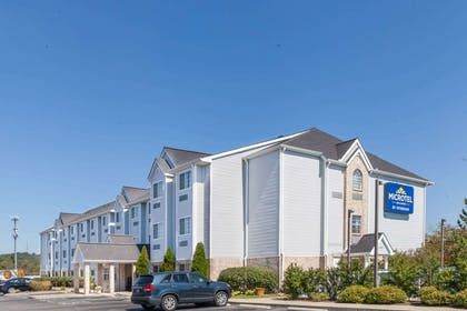 Welcome to the Microtel Inn and Suites Nashville | Microtel Inn & Suites by Wyndham Nashville