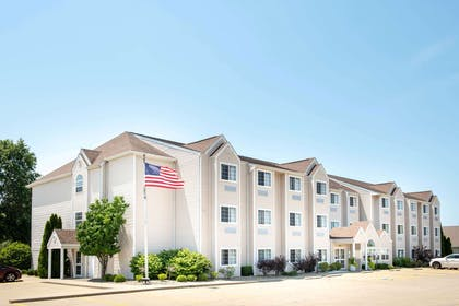 Exterior | Microtel Inn & Suites by Wyndham Springfield