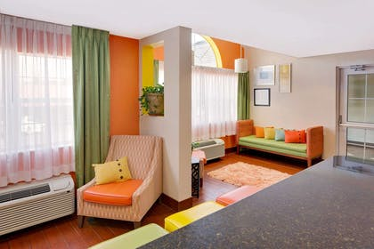 Lobby   Microtel Inn & Suites by Wyndham Daphne/Mobile