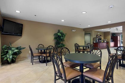 Breakfast Area | Microtel Inn & Suites by Wyndham Palm Coast