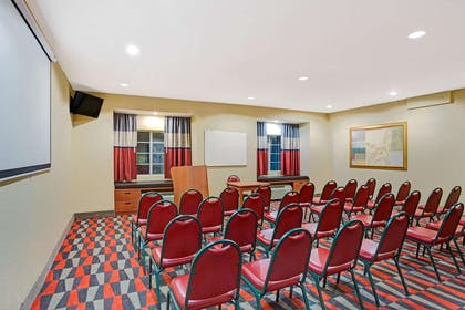 Meeting Room | Microtel Inn & Suites by Wyndham Bushnell