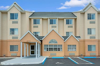 Welcome to Microtel Inn and Suites by Wyndham Bushnell | Microtel Inn & Suites by Wyndham Bushnell