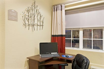 Business Center | Microtel Inn & Suites by Wyndham Bushnell
