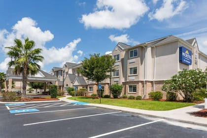 Welcome to the Microtel Inn and Suites by Wyndham Kingsland | Microtel Inn & Suites by Wyndham Kingsland