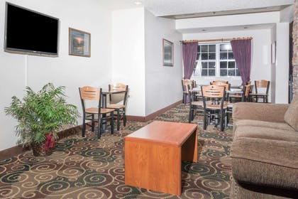 Lobby | Microtel Inn & Suites by Wyndham Rice Lake