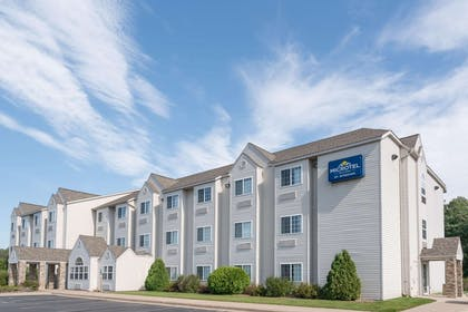 Welcome to the Microtel Inn and Suites Rice Lake | Microtel Inn & Suites by Wyndham Rice Lake