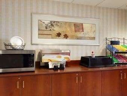 Breakfast Area | Microtel Inn & Suites by Wyndham Dover