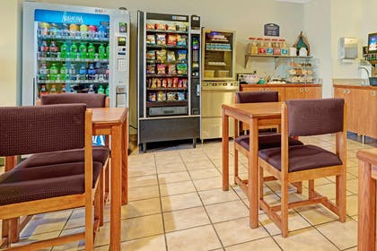 Breakfast Area | Microtel Inn & Suites by Wyndham Inver Grove Heights/Minneap