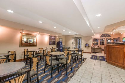 Breakfast Area | Microtel Inn & Suites by Wyndham Anchorage Airport