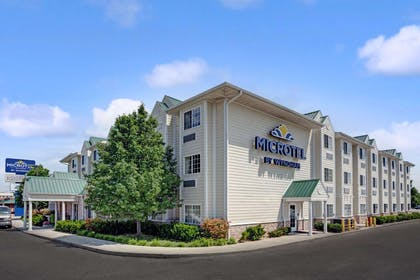 Welcome to the Microtel Indianapolis Airport | Microtel Inn & Suites by Wyndham Indianapolis Airport