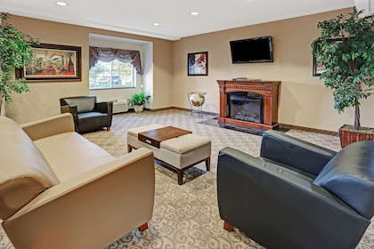 Lobby | Microtel Inn & Suites by Wyndham Indianapolis Airport