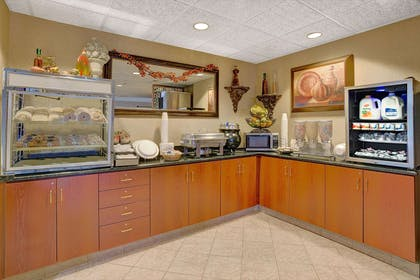 Breakfast Area | Microtel Inn & Suites by Wyndham Indianapolis Airport