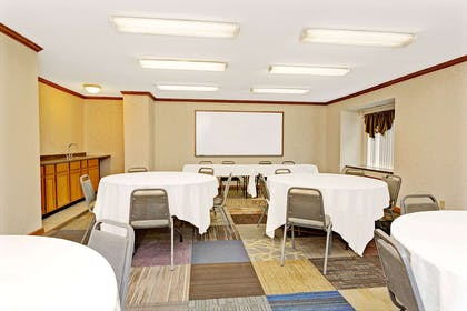 Meeting Room | Microtel Inn & Suites by Wyndham Florence/Cincinnati Airport