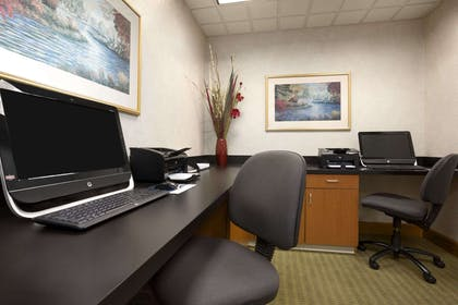 Business Center | Wingate by Wyndham Little Rock