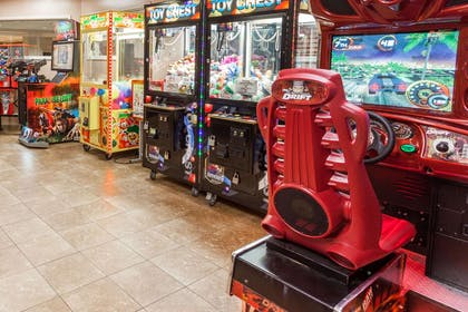 Game Room | Wingate by Wyndham Atlanta/Six Flags Austell