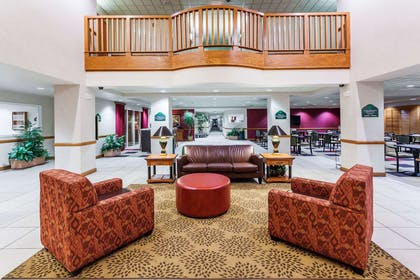 Lobby | Wingate by Wyndham Atlanta/Six Flags Austell
