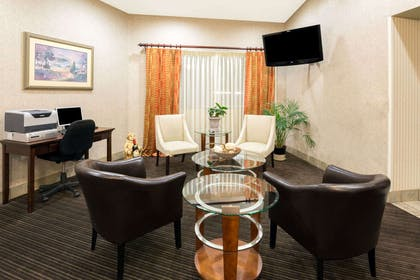 Business Center | Hawthorn Suites by Wyndham Napa Valley
