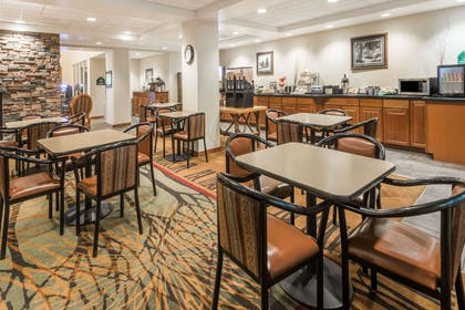 Breakfast Area | Wingate by Wyndham Missoula Airport