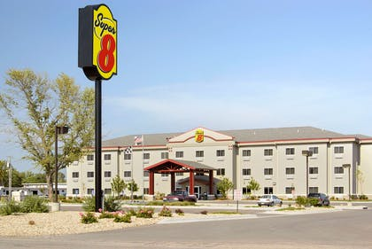Exterior | Super 8 by Wyndham Topeka at Forbes Landing