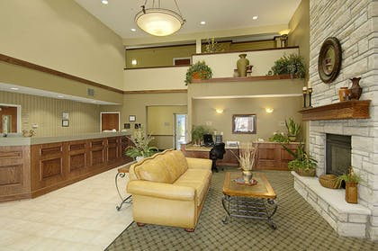 Lobby | Super 8 by Wyndham Topeka at Forbes Landing