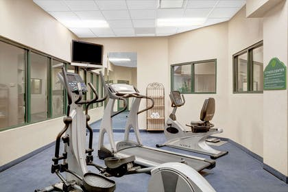 Fitness Center | Wingate by Wyndham Atlanta Airport Fairburn