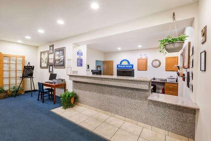Lobby | Days Inn by Wyndham Hotel Spencer IA