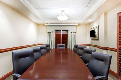 Meeting Room | Wingate by Wyndham Columbia / Lexington
