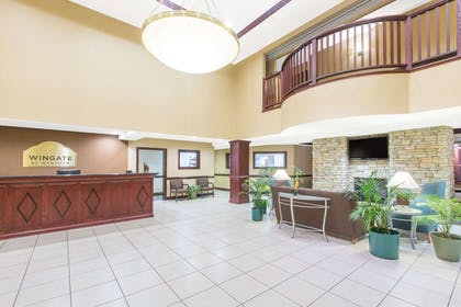 Lobby   Wingate By Wyndham Southport