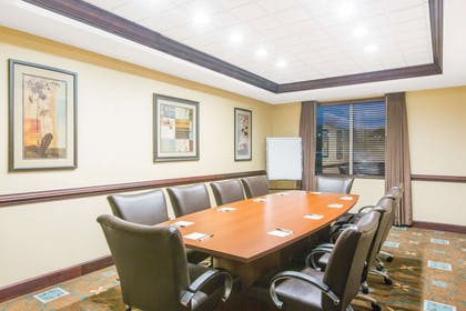 Meeting Room   Wingate By Wyndham Southport