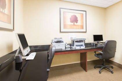 Business Center   Wingate By Wyndham Southport