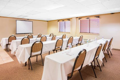 Meeting Room | Hawthorn Suites by Wyndham Albuquerque
