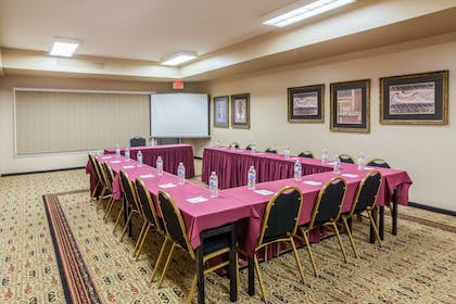 Board Room | Hawthorn Suites by Wyndham Bloomington