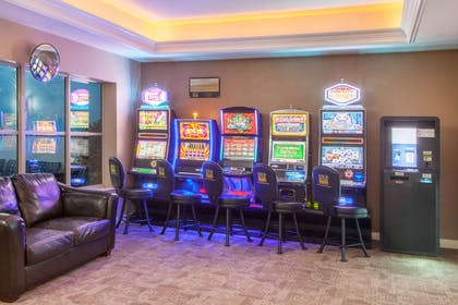 Slot Machine Gaming | Hawthorn Suites by Wyndham Bloomington
