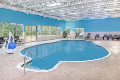 Pool | Hawthorn Suites by Wyndham Bloomington