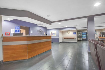 Lobby | Microtel Inn & Suites by Wyndham Dover