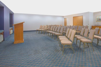 Meeting Room | Microtel Inn & Suites by Wyndham Dover