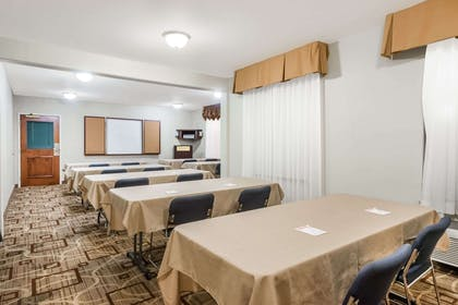 Meeting Room | Hawthorn Suites by Wyndham Akron/Seville