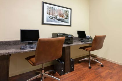 Business Center | Hawthorn Suites by Wyndham Rome