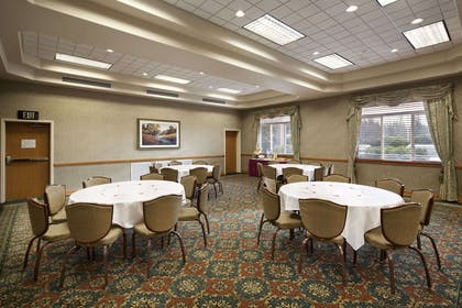 Meeting Room - Rainier Room | Ramada by Wyndham Olympia