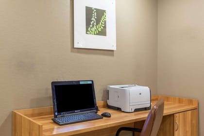 Business Center | Microtel Inn & Suites by Wyndham Johnstown