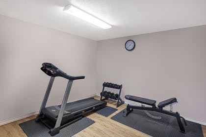 Health club | Days Inn & Suites by Wyndham Braunig Lake
