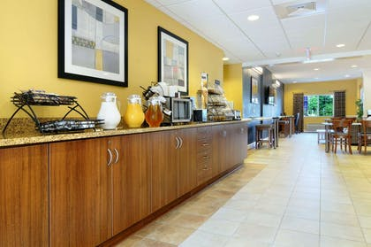 Breakfast Area   Microtel Inn & Suites by Wyndham Columbus/Near Fort Benning