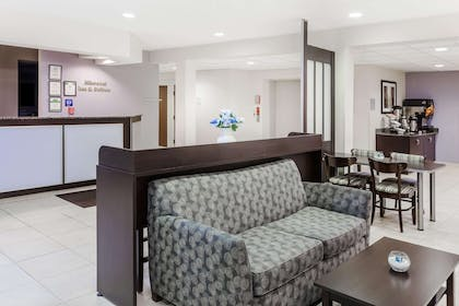 Lobby | Microtel Inn & Suites by Wyndham Elkhart
