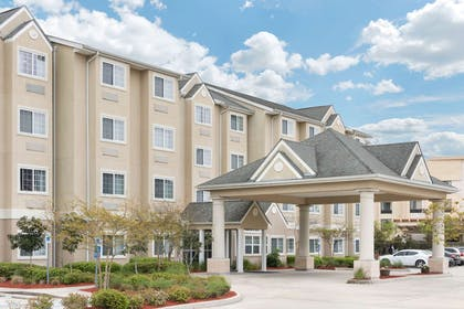 Welcome to the Microtel Baton Rouge | Microtel Inn & Suites by Wyndham Baton Rouge Airport