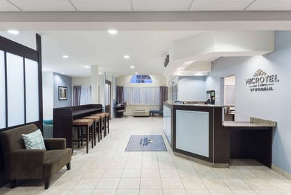 Lobby | Microtel Inn & Suites by Wyndham Baton Rouge Airport